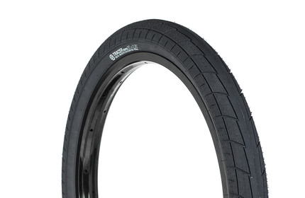 SALT Tracer 18 Junior Tire